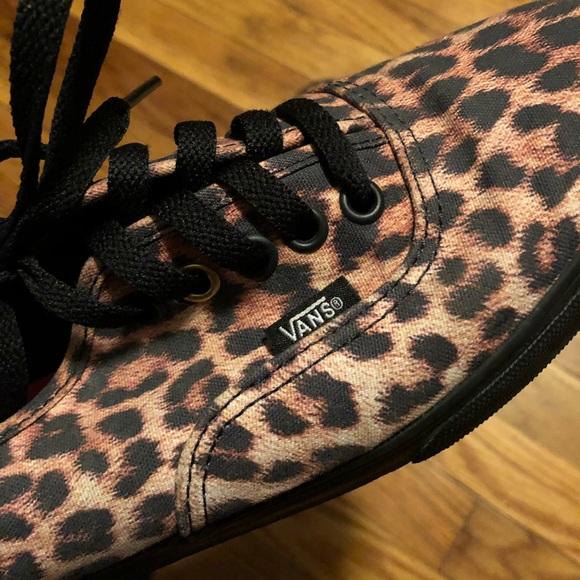 3279c61c74c5f3 Vans authentic leopard print sneakers (light wear).  M 5bfdce70f63eea6c2940294d
